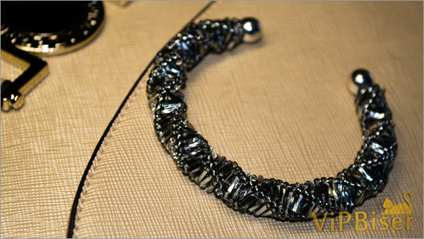 Spiral Beaded Bracelet with Bugle Beads. Tutorial. Photo 1