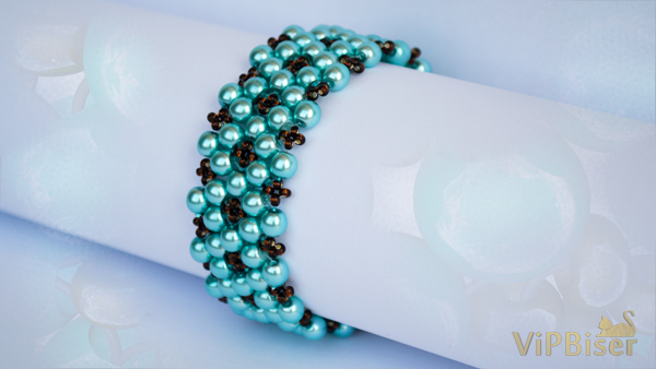 Bracelet with Turquoise Beads. Easy 3D Beading Tutorial. Photo by Olesya Romaniuk